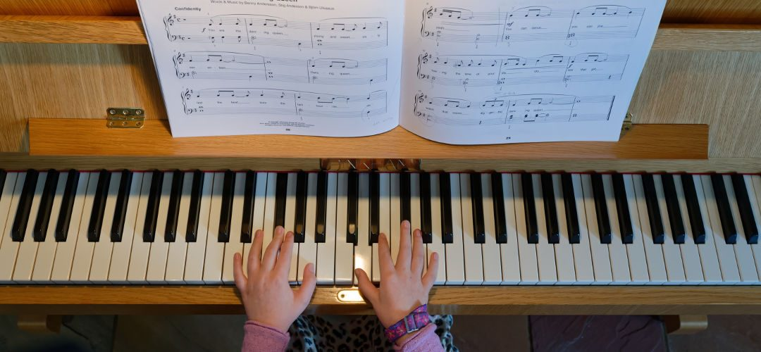 Lucinda piano hands