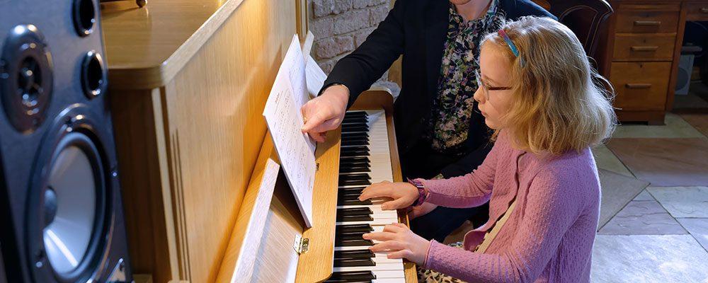 Lucinda piano reading music lesson