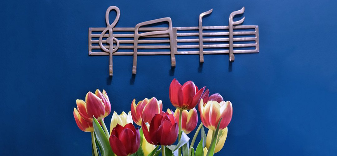 Music hooks and flowers
